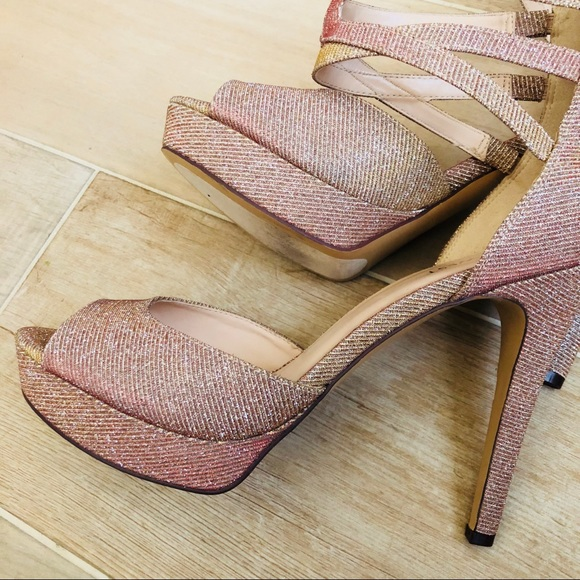 b55a61a806a2 NEW Nine West Glittery Gold Pink Heels Stilettos